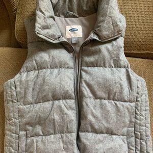 Never worn puffer old navy vest size m women